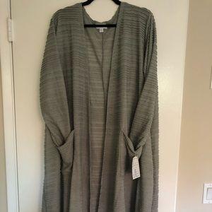 NWT LulaRoe Sarah XL Gray Ruffled Sweater Duster